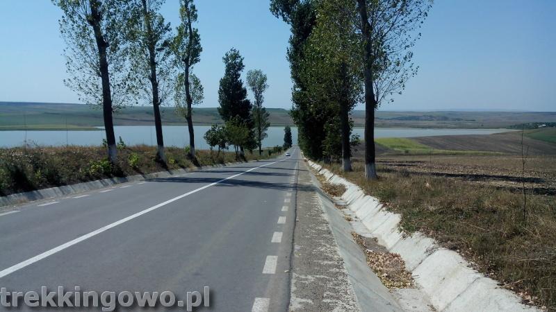 trekkingowo Wyprawa rowerowa Mołdawia - Dzień 8 Rumunia jezioro upał