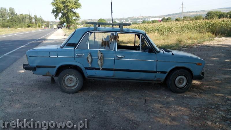 trekkingowo Mołdawia - ludzie, drogi i jedzenie. Wyprawa rowerowa - Dzień 5 auto suszone ryby