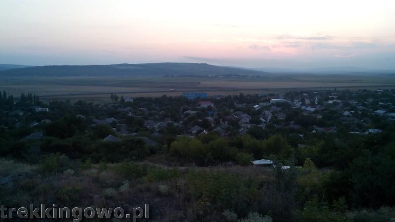 Mołdawia - Dzień 5 wzgórze zachód słońca trekkingowo