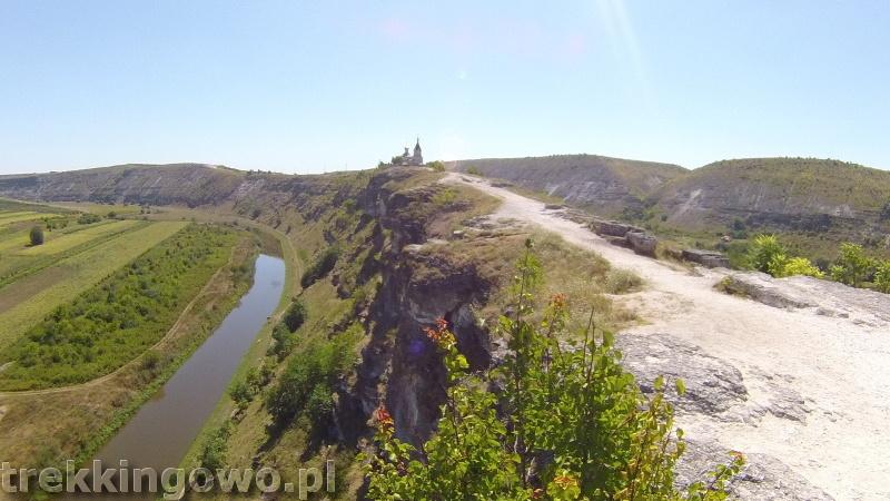 Mołdawia - Dzień 6 dolina Orheiul Vechi widok trekkingowo