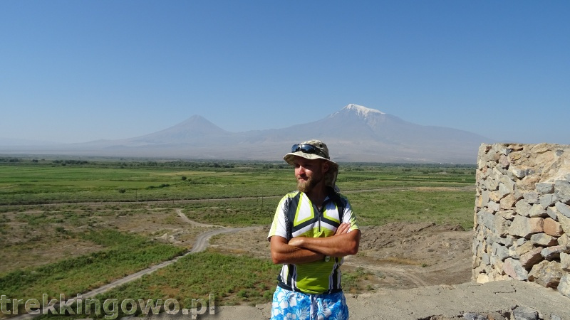 Ararat - u podnóża świętej góry Ormian Khor Virap trekkingowo