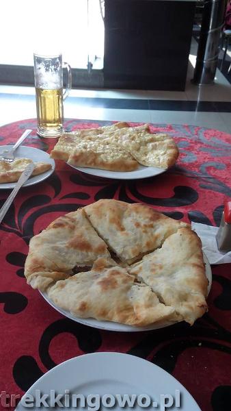 Jedzenie oraz ceny w Gruzji i Armenii kubdari chachapuri