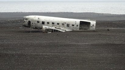 Historia wraku Dakota DC-3, czyli co się wydarzyło na plaży Sólheimasandur?
