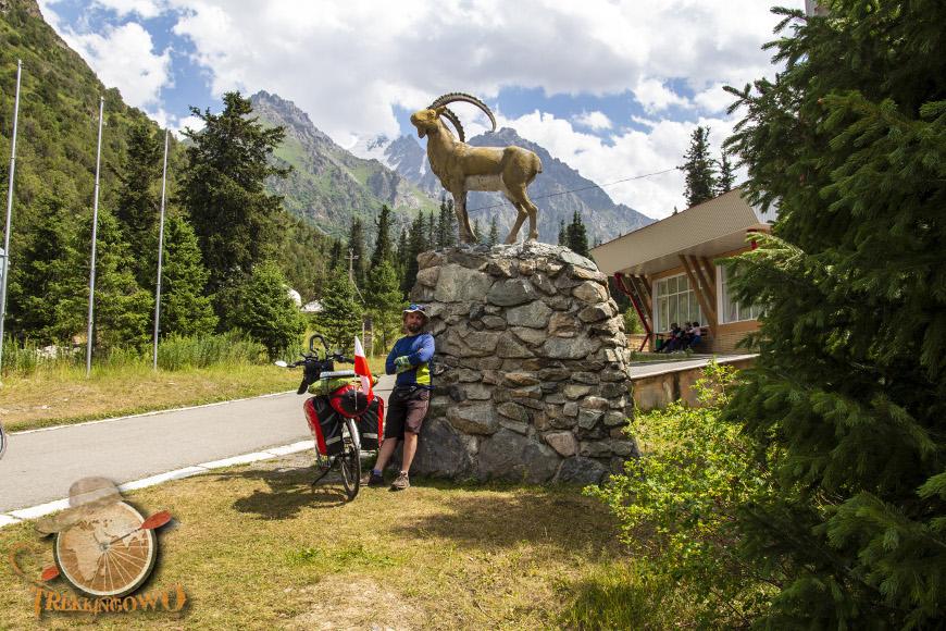 Szczyt Uczyciel (Uchitel) hotel ala-archa trekkingowo