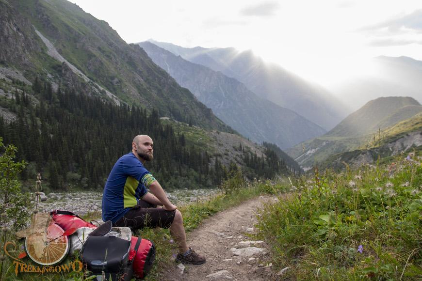Szczyt Uczyciel (Uchitel)  turystyka trekkingowo