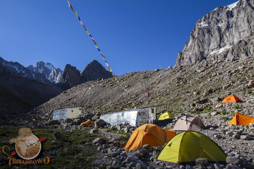 uchitel namioty trekkingowo