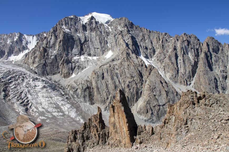 Szczyt Uczyciel (Uchitel)  góra trekkingowo