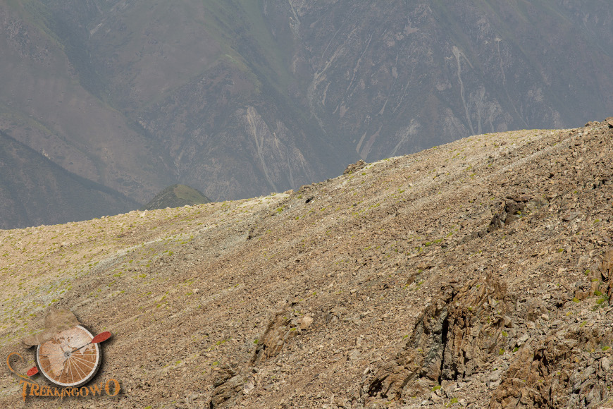 góra uczyciel kirgistan osuwisko trekkingowo