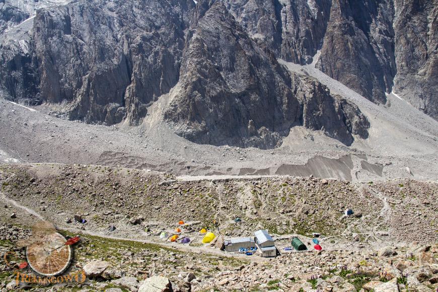 góra uczyciel kirgistan baza trekkingowo