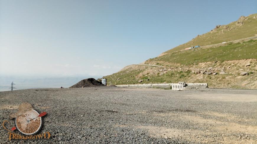 jurta kirgistan widok ranek trekkingowo