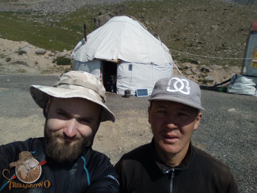 jurta kirgistan ramil trekkingowo