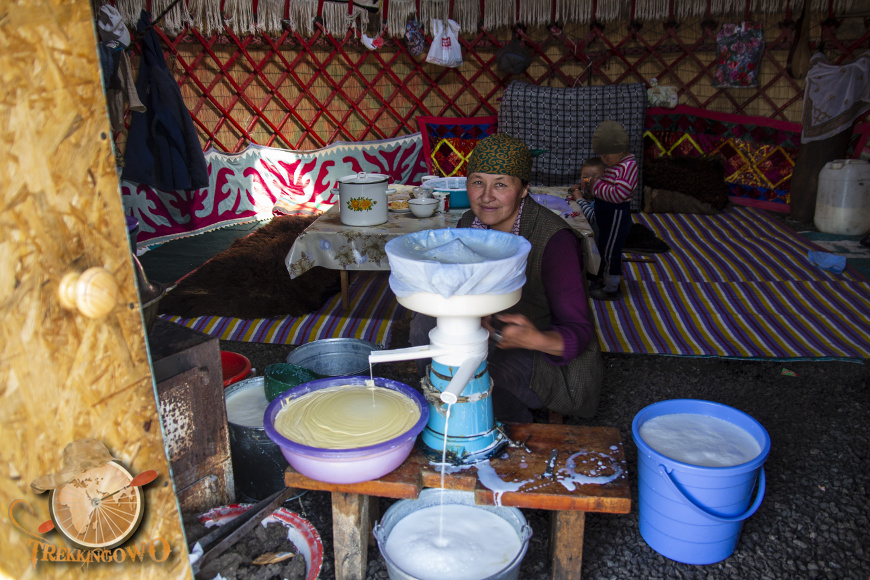 jurta kirgistan masło babcia trekkingowo