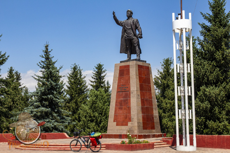 karakol kirgistan pomniki trekkingowo.pl