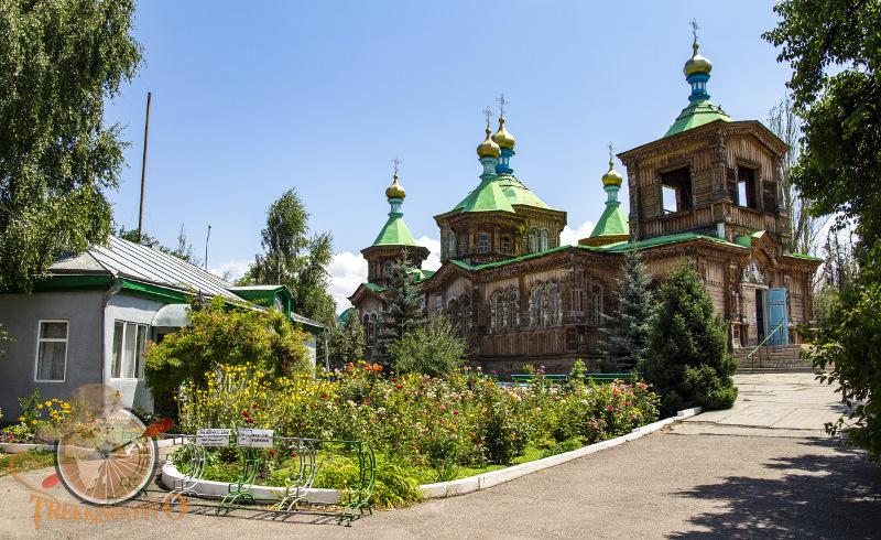 cerkiew karakol kirgistan trekkingowo.pl